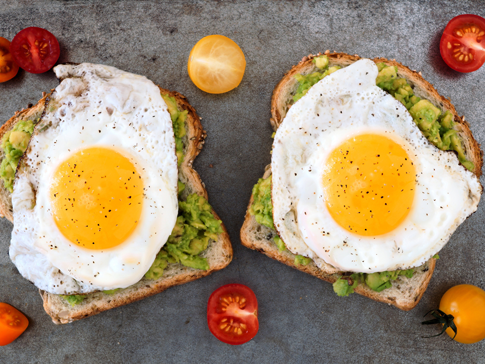 Photo Fried egg Two Tomatoes Butterbrot Food 1600x1200 2