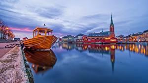 Fotos Abend Schiffsanleger Kirche Norwegen Motorboot Arendal Städte
