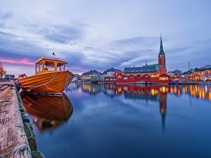 Fotos Abend Schiffsanleger Kirche Norwegen Motorboot Arendal