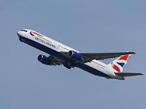 Fotos Verkehrsflugzeug Boeing Flug 777-236/ER Luftfahrt