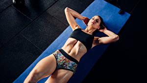 Fotos Fitness Körperliche Aktivität Bauch Mädchens Sport