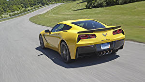 Fotos Chevrolet Straße Hinten Fährt Gelb Corvette c7 Stingray Autos