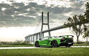 Bilder Lamborghini Brücken Gelbgrüne 2018, SVJ, Aventador SVJ