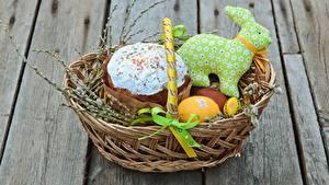 Fotos Ostern Kulitsch Weidenkorb