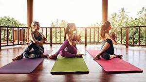 Hintergrundbilder Yoga Drei 3 Trainieren Bein Sitzt Mädchens