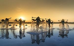 Picture Sunrises and sunsets Asiatic Vietnam Hat Salt Salt Fishing