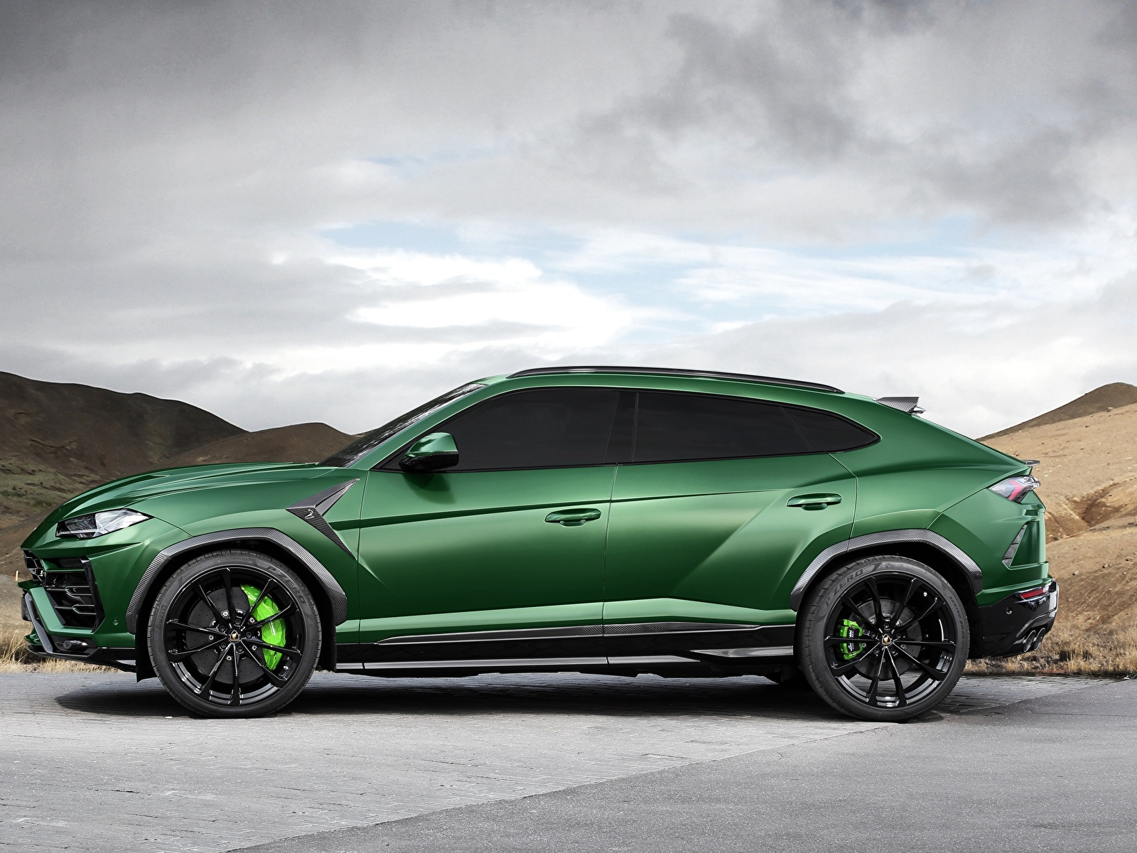 Hintergrundbilder Lamborghini 2018 TopCar Urus Grün Autos Seitlich 1600x1200 auto automobil