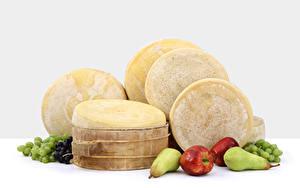 Bilder Käse Weintraube Äpfel Birnen Weißer hintergrund Lebensmittel