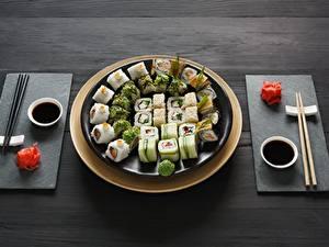 Fotos Sushi Essstäbchen Teller Sojasauce