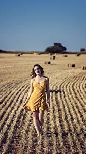 Fotos Acker Kleid Mädchens