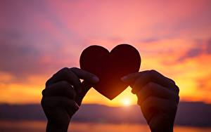 Photo Sunrises and sunsets Heart Hands