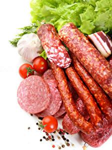 Bilder Fleischwaren Wurst Knoblauch Tomaten Weißer hintergrund