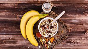 Hintergrundbilder Bananen Müsli Rosinen Bretter Frühstück Einweckglas
