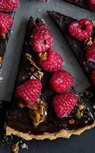 Fotos Obstkuchen Himbeeren Schokolade Stück das Essen