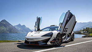 Papel de Parede Desktop McLaren Tuning Branco Porta aberta 2017 Prior-Design 570S PD1 automóvel