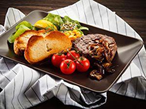 Fotos Fleischwaren Brot Tomate
