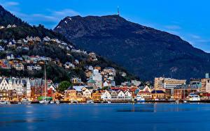 Fotos Norwegen Haus Flusse Bootssteg Gebirge Bergen