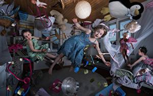Fonds d'écran Créatif Jouets Petites filles Les robes Vol Salle Enfants Humour