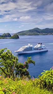 Bilder Landschaftsfotografie Kreuzfahrtschiff Bucht Hügel Guadeloupe