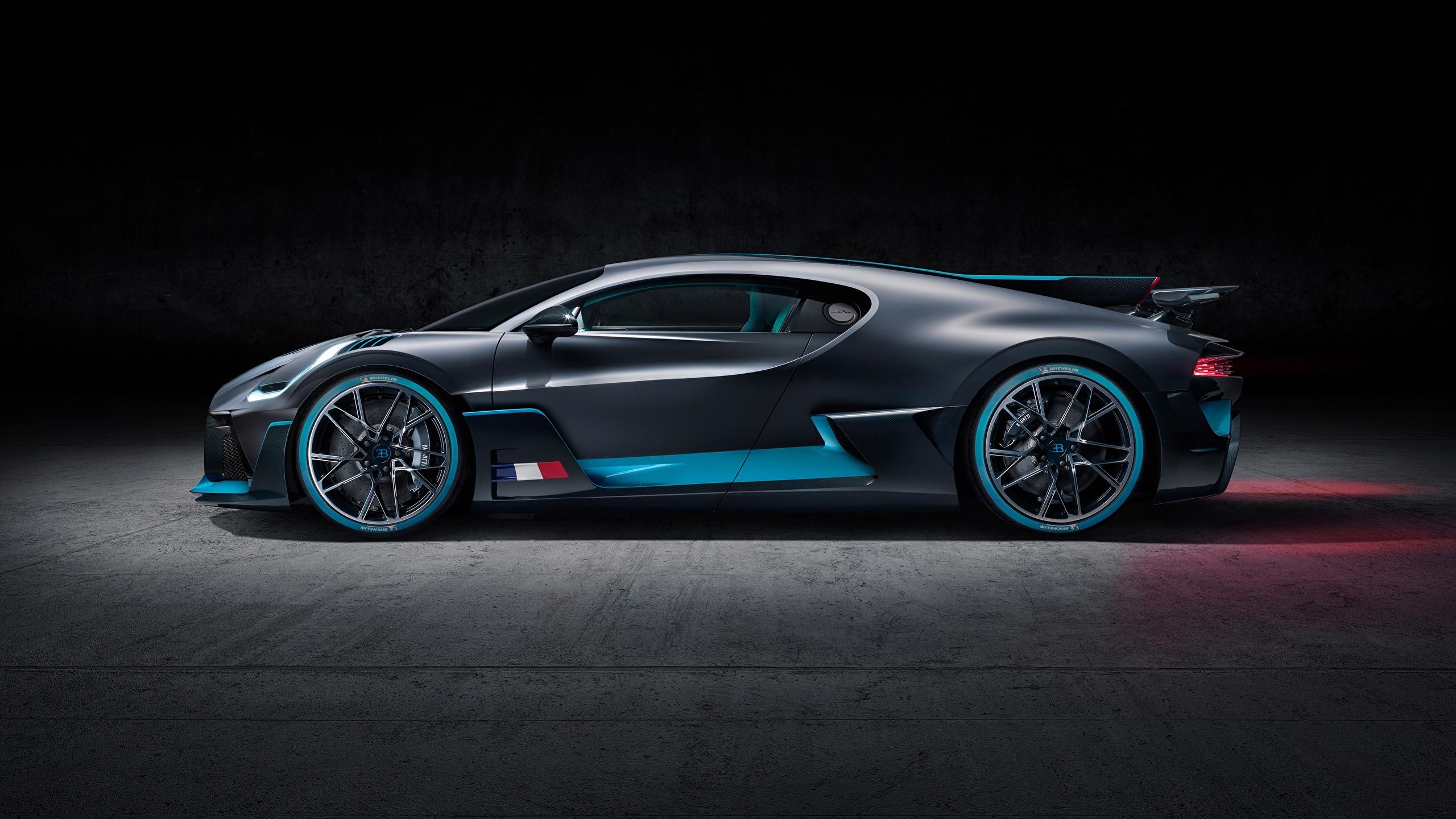 Fonds Decran 2560x1440 Bugatti Divo Latéralement Noir