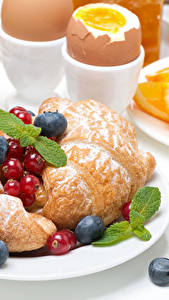 Hintergrundbilder Croissant Beere Frühstück Teller Ei Lebensmittel