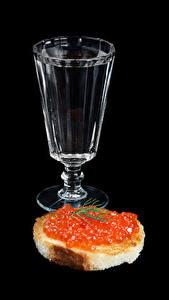 Fotos Wodka Butterbrot Rogen Brot Schwarzer Hintergrund Dubbeglas Lebensmittel