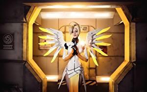 Bilder Overwatch Flügel Cosplay Blondine Mercy Mädchens