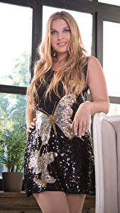 Desktop hintergrundbilder Nastasy 95 Kleid Pose Starren junge frau
