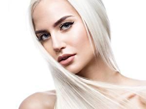 Bilder Hübsch Gesicht Blond Mädchen Haar Weißer hintergrund Starren junge frau