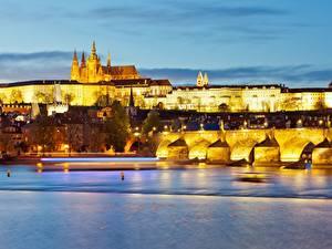 Hintergrundbilder Abend Prag Tschechische Republik Burg Flusse Brücken Prague Castle, Charles bridge, Vltava Städte