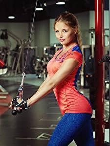 Bilder Fitness Braune Haare Schöne Nikolas Verano junge Frauen Sport