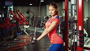Bilder Fitness Braune Haare Schön Nikolas Verano Mädchens Sport