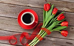 Bilder Tulpen Kaffee Bretter Tasse Blumen