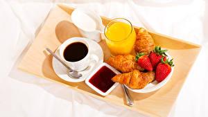 Bilder Kaffee Fruchtsaft Croissant Erdbeeren Konfitüre Frühstück Tasse Trinkglas