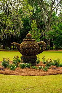 Fotos USA Park Skulpturen Wasserkessel Rasen Thomasville Rose Garden