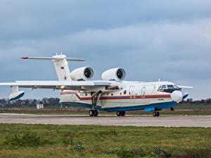 Hintergrundbilder Flugzeuge Russischer Wasserflugzeug Be-200CHS Luftfahrt