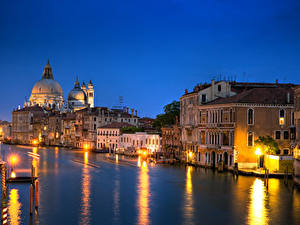 Image Italy Evening Venice Canal Street lights Cities