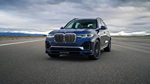 Bilder BMW Blau Metallisch Softroader Asphalt Alpina XB7, North America, G07, 2020 auto