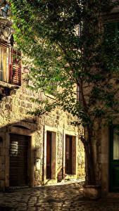 Hintergrundbilder Kroatien Gebäude Straße Bäume Hvar