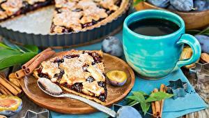 Fotos Obstkuchen Pflaume Stück Tasse Löffel Lebensmittel
