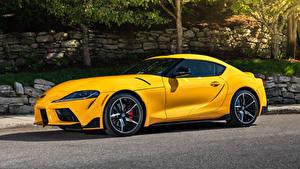 Wallpaper Toyota Yellow Metallic Side GR Supra 2.0 North America, (A90), 2020 automobile