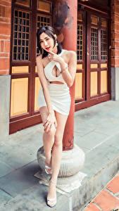 Hintergrundbilder Asiatisches Pose Kleid Dekolleté Blick junge Frauen