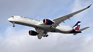 Desktop hintergrundbilder Airbus Flugzeuge Verkehrsflugzeug A350-900, Aeroflot Luftfahrt