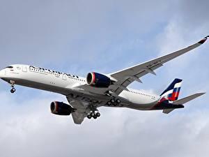 Bilder Airbus Flugzeuge Verkehrsflugzeug A350-900, Aeroflot