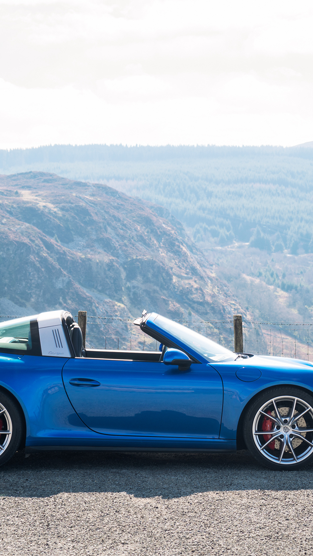 save off 54d03 aa7ad Photos Porsche 2016 911 Targa 4S Cabriolet Light Blue Side ...