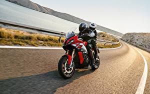 Fotos BMW - Motorrad Wege Motorradfahrer Bewegung Helm 2020 S 1000 XR Motorrad
