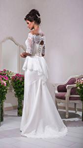Hintergrundbilder Blumensträuße Braut Kleid Braunhaarige junge frau