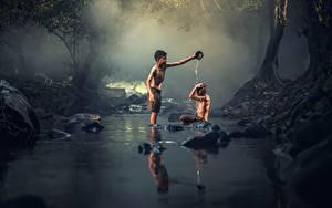 Fotos Asiatische Steine Bäche Zwei Junge Sitzend Kinder