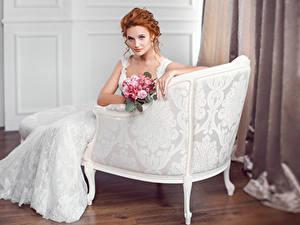 Fonds d'écran Bouquets Fauteuil Roux Fille Jeune mariée Voir Les robes