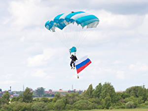 Hintergrundbilder Fallschirmspringen Himmel Flagge Russische Sport